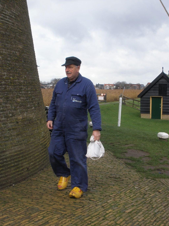 Hobby-Mueller der Museumsmuehle in Kinderdijk in den Niederlanden